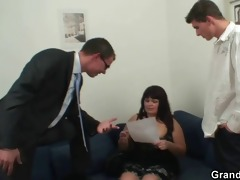 her old chunky pussy gets nailed by two cocks